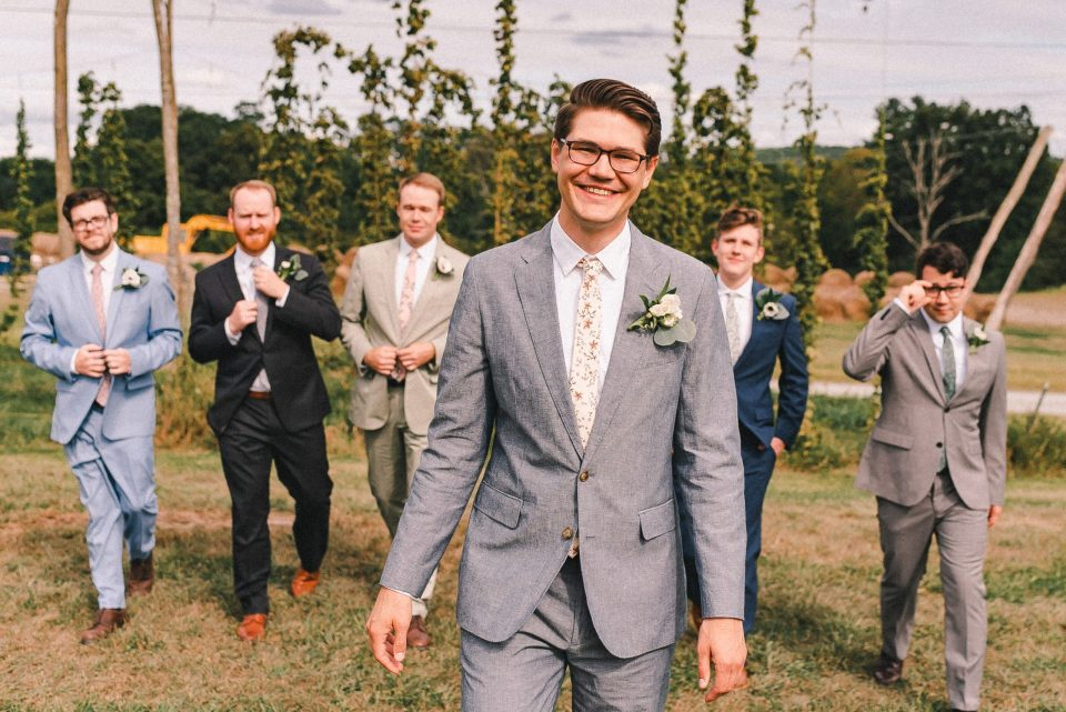 groomsmen-photos-the-groom-will-love-suessmoments