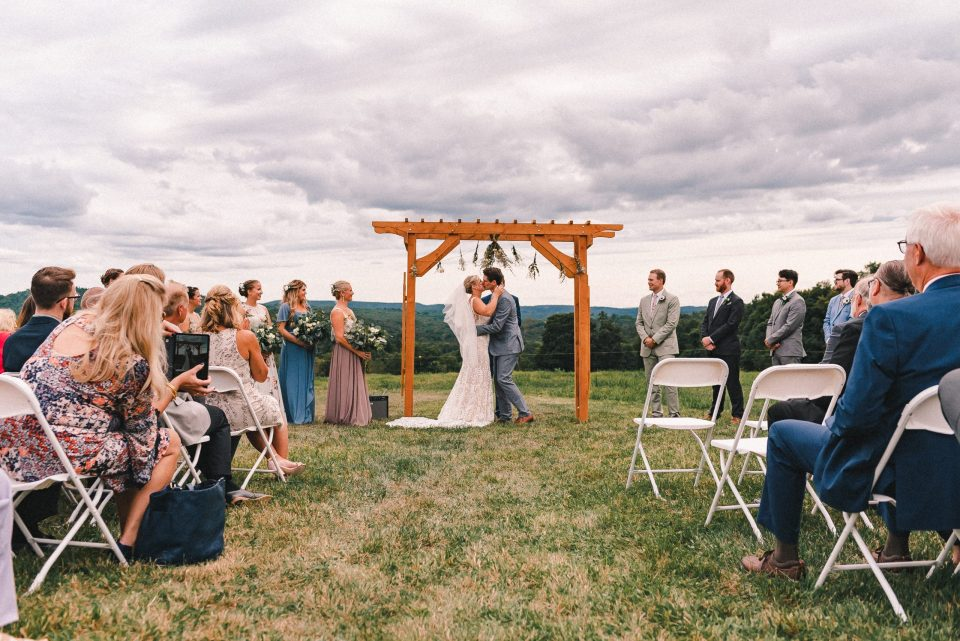 kiss-the-bride-wedding-ceremony-ss-farm-and-brewery-suessmoments