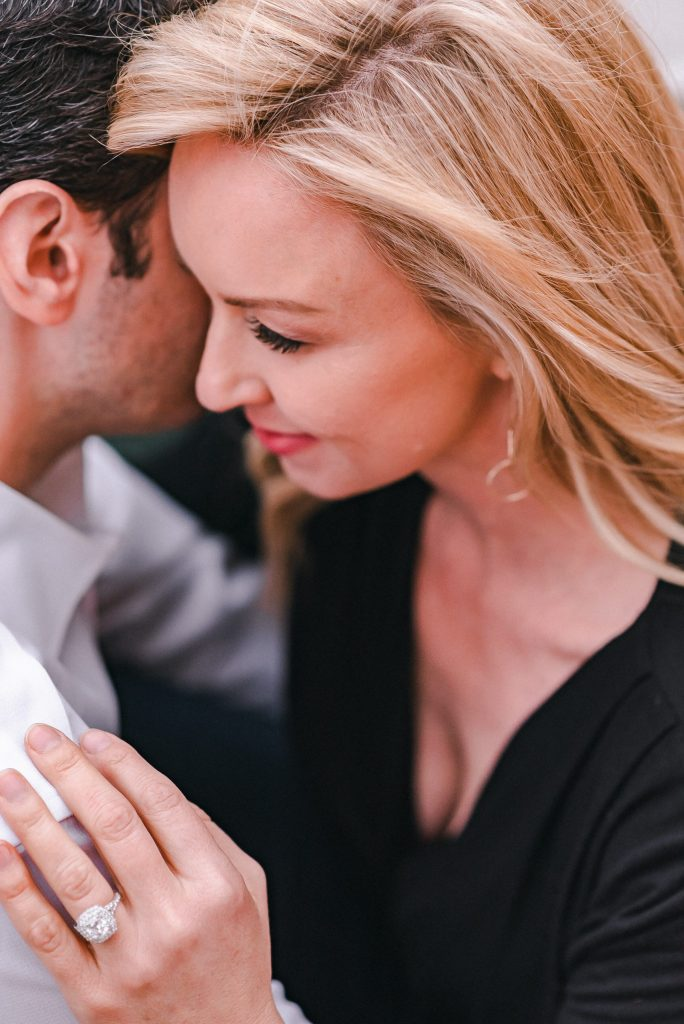 romantic-engagement-photo-suessmoments