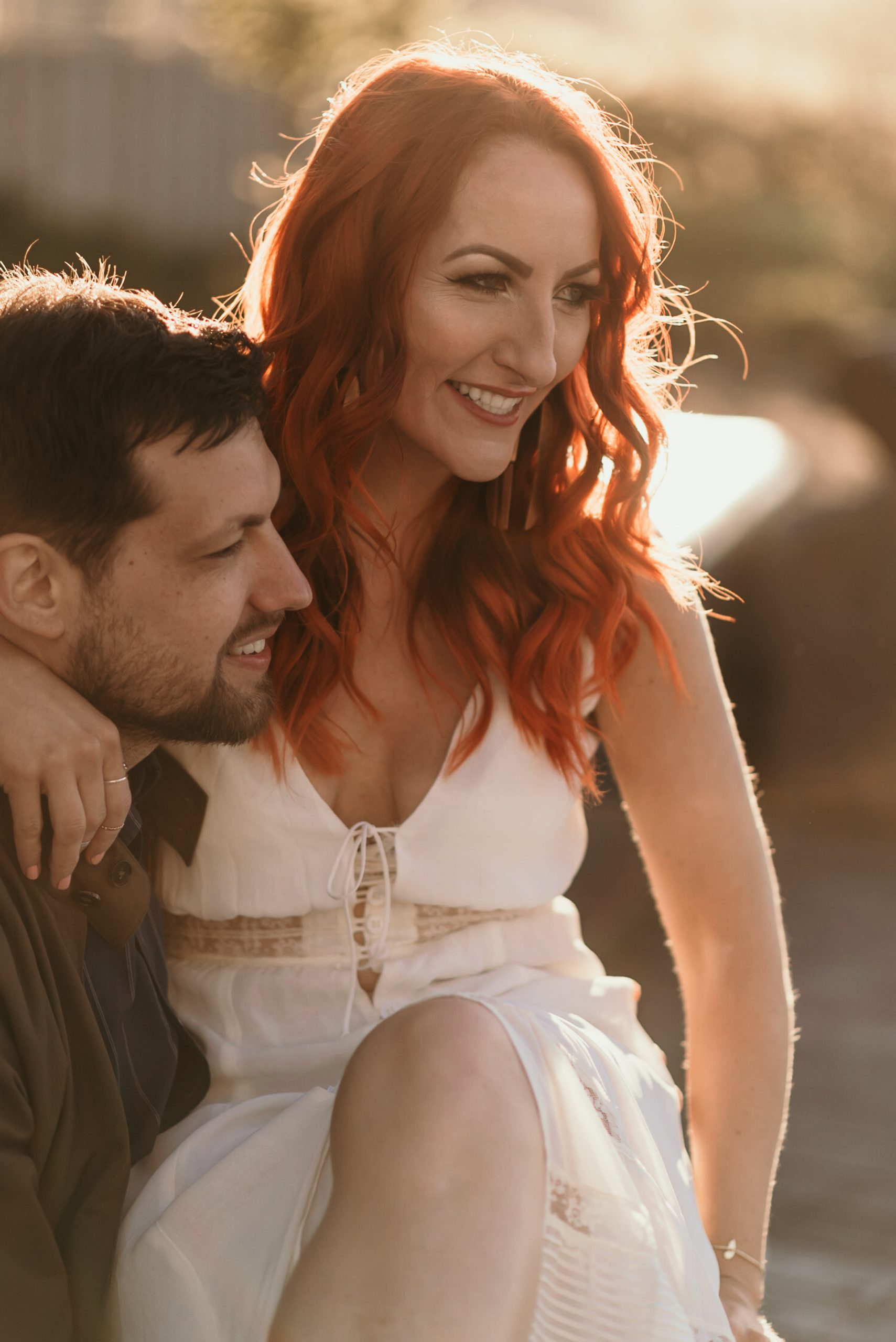 golden-hour-moody-engagement-photos-williamsburg-brooklyn-suessmoments-nyc-photographer