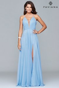 cutest-engagement-photos-dresses-blue-mia-bella-couture-suessmoments-nyc-photographer