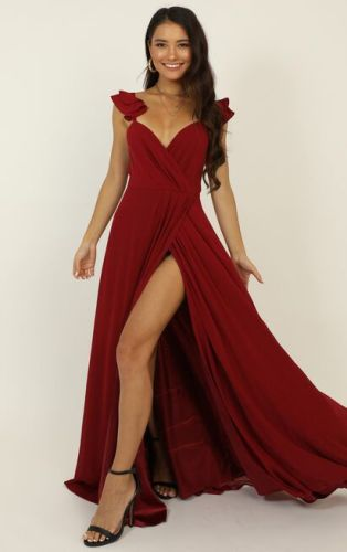 best-engagement-photos-dresses-online-suessmoments-nyc-photographer-showpo-wine-dress