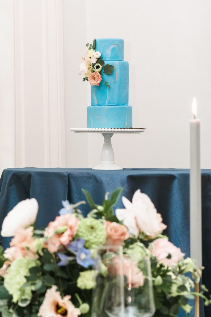 sweet-bakes-cafe-wedding-cake-baker-in-new-york-by-wedding-photos-suessmoments