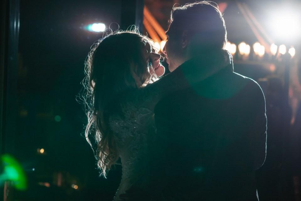 FIRST-DANCE-CREATIVE-WEDDING-PHOTO-SUESSMOMENTS