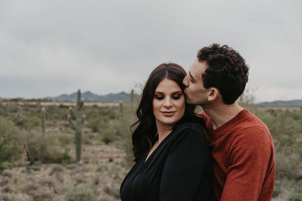 new-river-arizona-phoenix-engagement-photos-suess-moments-photographer-desert-photoshoot