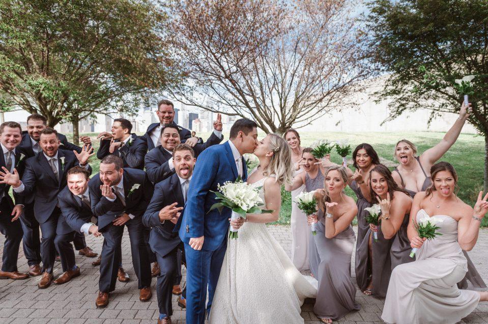 fun-wedding-party-photo