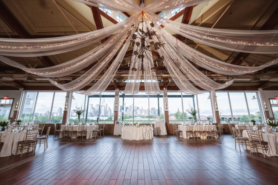 liberty-house-restaurant-new-jersey-indoor-wedding-reception-photos-by-suess-moments-photographer