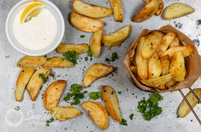 Chunky Chips with lemon Mayonnaise