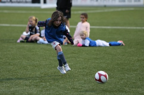 Sutton United Girls Soccer Development_1008