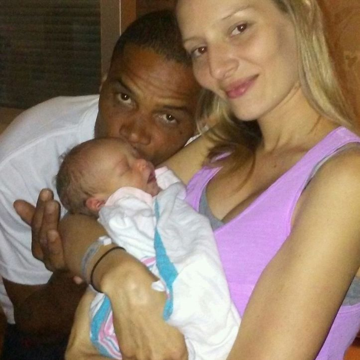 Serenity Robinson with parents Randy Robinson andLeslie Zeagler