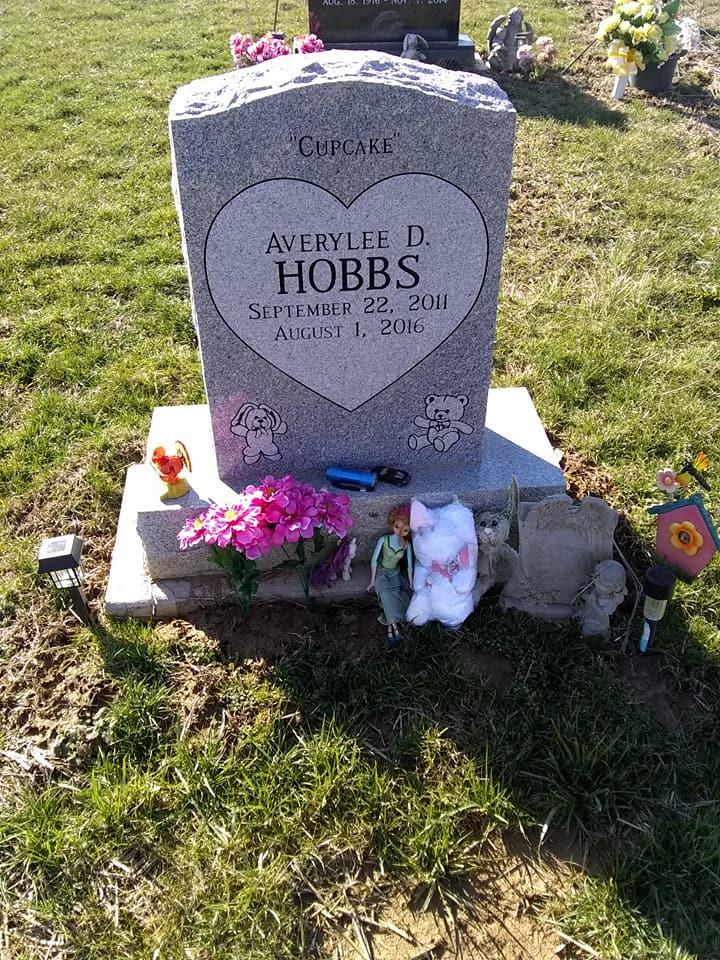 Averylee Hobbs grave