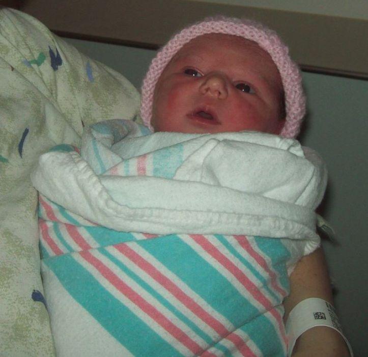 Newborn Averylee Hobbs