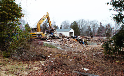 KATHARINE SCHROEDER PHOTO |The former General Wayne Inn in Southold may soon be the site of a park.