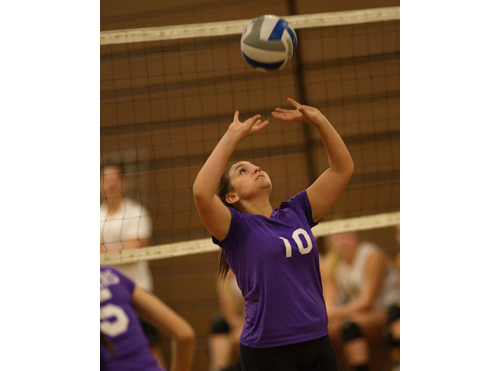 GARRET MEADE PHOTO | Greenport/Southold setter Sydney Mulvaney delivered 13 assists for the Clippers against Bishop McGann-Mercy.