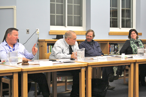 The Mattituck school board voted Thursday against a proposal to allow 11 students to participate in winter track at Riverhead. (Credit: Jen Nuzzo)