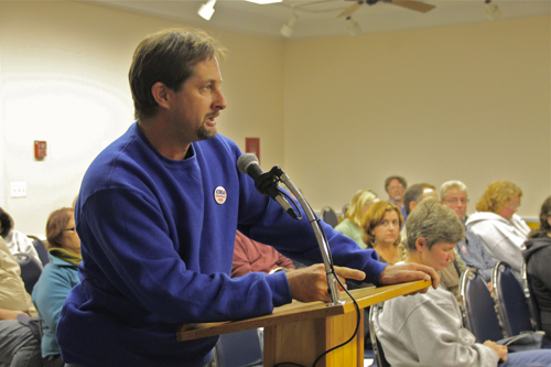 PAUL SQUIRE PHOTO | Labor union president Tomas Skabry addresses the board at Tuesday night's meeting.