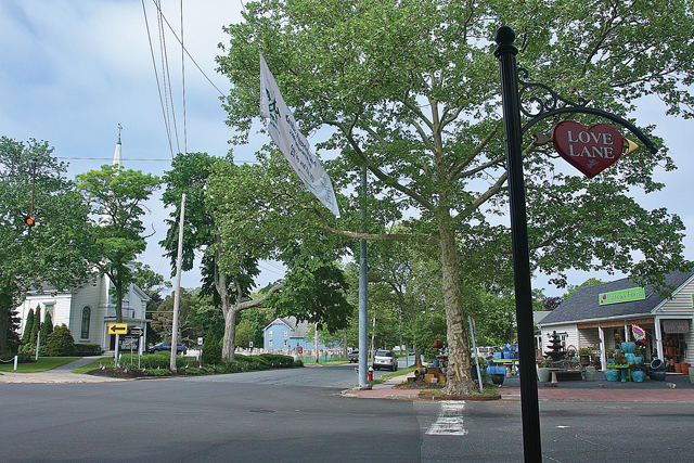 A view of Old Sound Avenue (center) from the corner of Love Lane and Main Road. (Credit: Barbaraellen Koch)