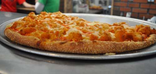 Uncle-Joes-Buffalo-Pizza