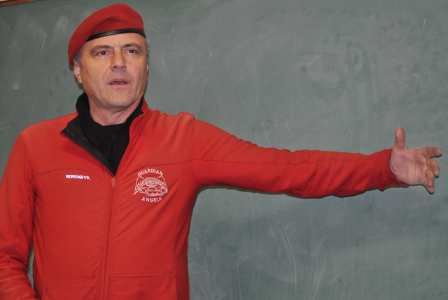 Guardian Angels founder Curtis Sliwa at Tuesday's community meeting in Greenport. (Credit: Grant Parpan)