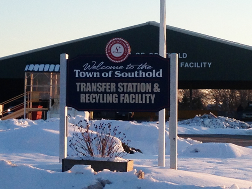 Town is looking into single-stream recycling method. (Cyndi Murray file photo)