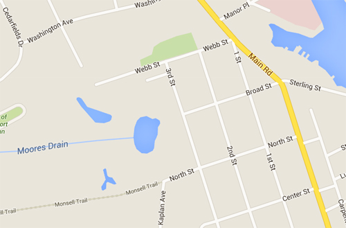 The victim tried cutting through a marshy area north of Silver Lake by turning off Webb Street. (Credit: Google maps)