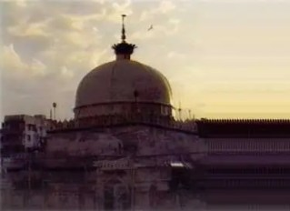 The dome of the dargah of Khwaja Mo'inuddin Chishti