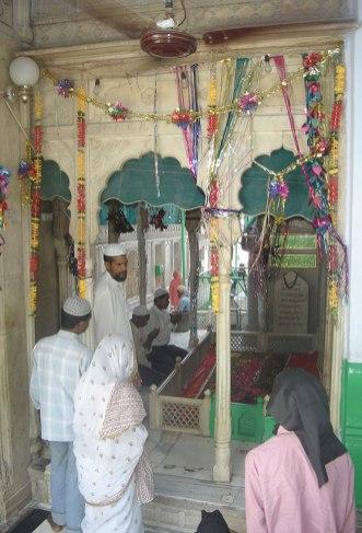 Hazrat Mawlana Fakhruddin Fakhr-e-Jahan in Delhi.