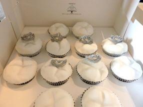 Commercial cupcakes: Dentist molar teeth with sugar tiara