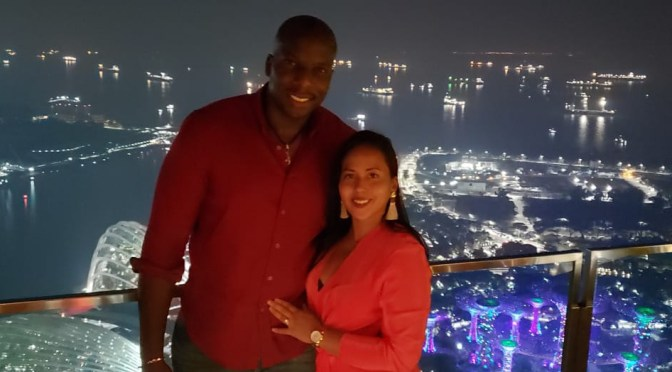 SUGA TASTERS, TENNYSON AND ASHLEIGH ARNOLD SHARE THEIR FINE DINING EXPERIENCE WITH EXTRAORDINARY CITY VIEWS IN SINGAPORE!