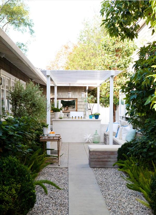 10 Beautiful Small Backyards - Sugar and Charm Sugar and Charm on Stunning Backyards  id=89223