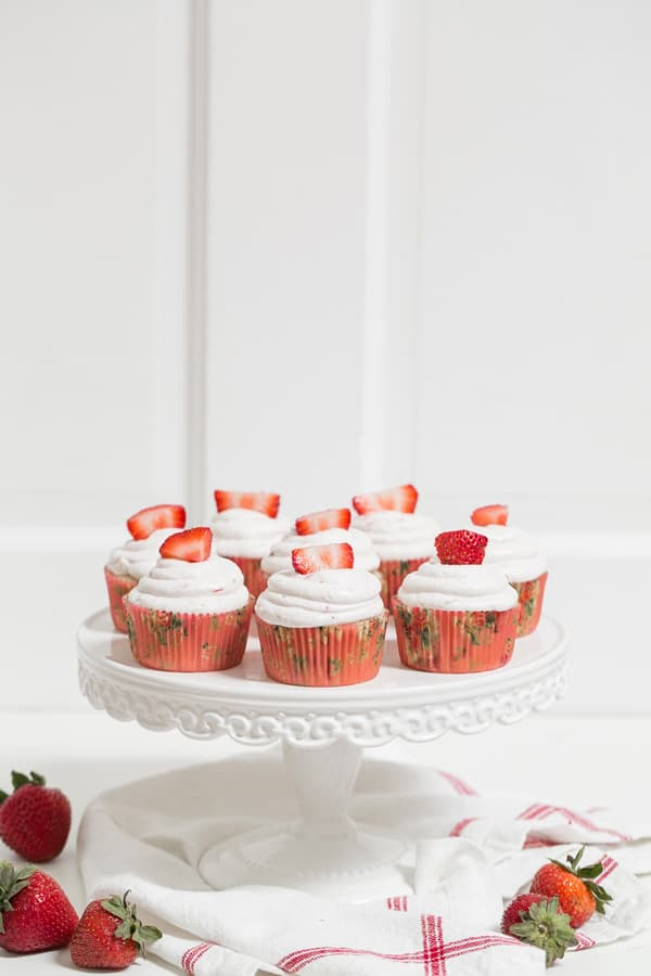 StrawberryCupcakes_MarthaStewart_8