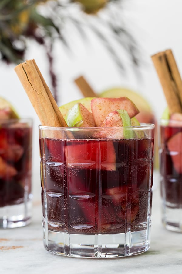 sugarandcharm_apple_pie_sangria_1