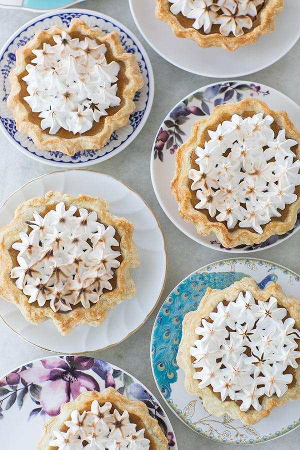 mini_toasted_marshmallow_pumpkin_pies_sugarandcharm_1