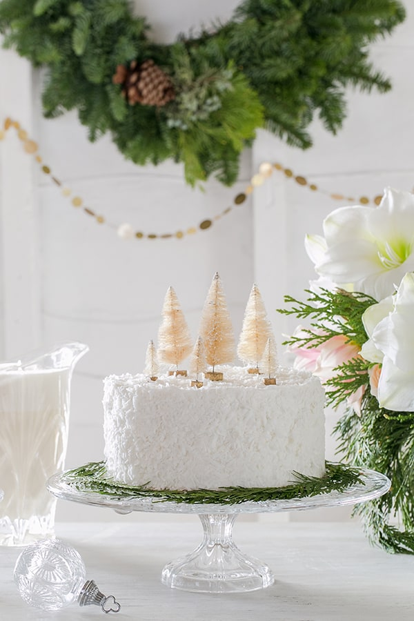 holiday-dessert-table-evine-sugarandcharm-1