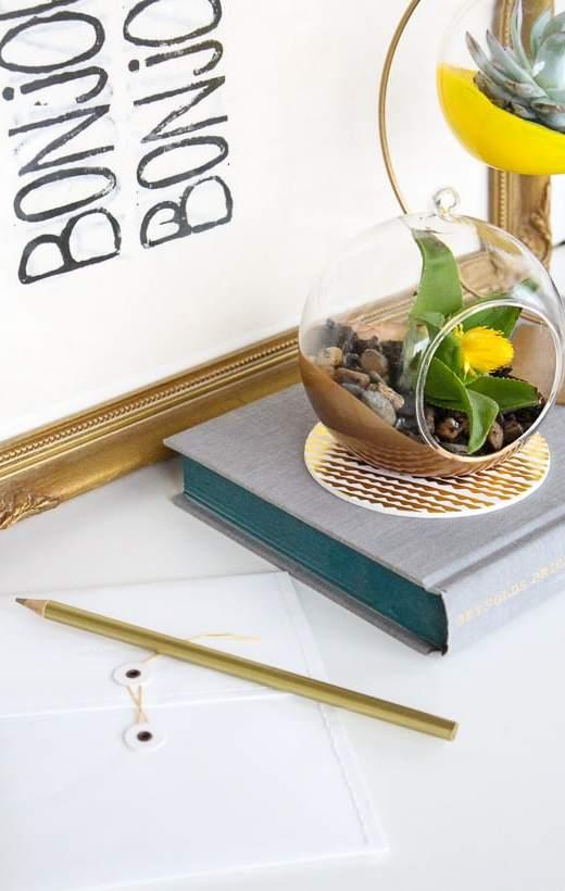 DIY Colored Hanging Planters - Sugar & Cloth - Houston Blogger - Home Decor DIY