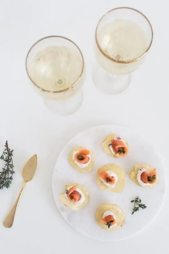 5 Minute hors d'oeuvres with potato chips | sugarandcloth.com