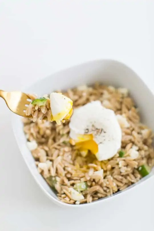 how to make a poached egg and three ways to serve them   sugar & cloth