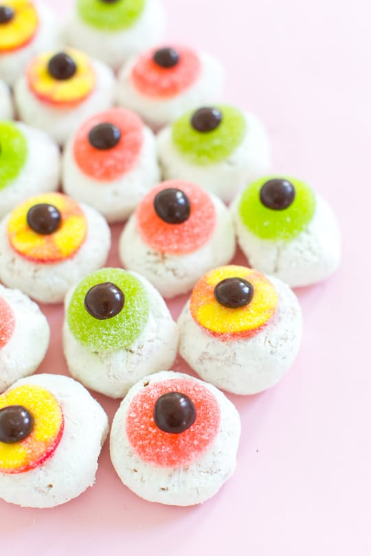 DIY Mini Monster Eyeball Donuts - sugar and cloth