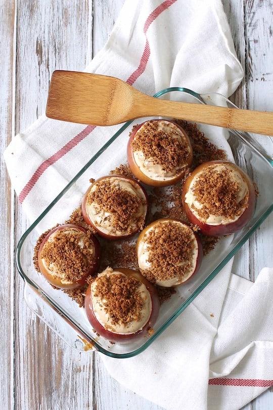 Caramel-Apple-Cheesecake-Stuffed-Baked-Apples-1