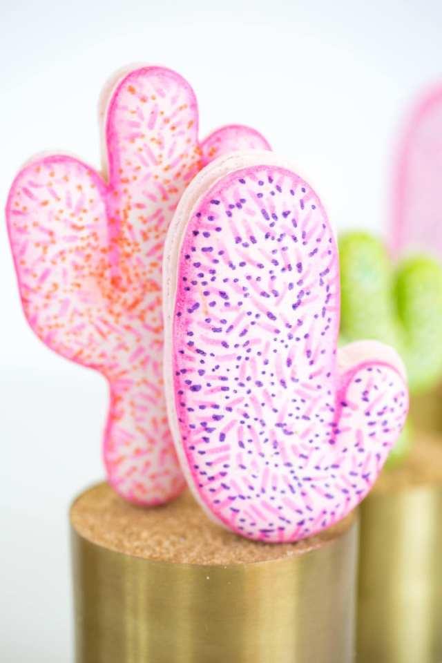 DIY pink cactus macarons - sugar and cloth