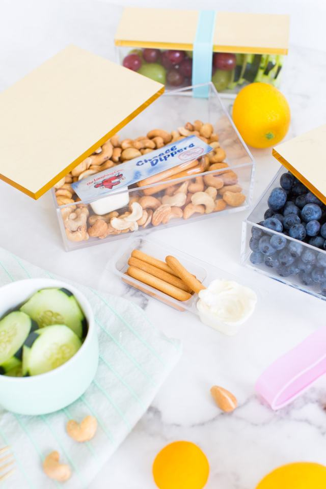 Nothing says lunch time glam quite like this five minute DIY bento box! - sugar and cloth