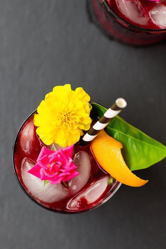 Dark & Stormy Cocktail Recipe - Sugar & Cloth - Recipe - Holiday - Halloween - Houston Blogger