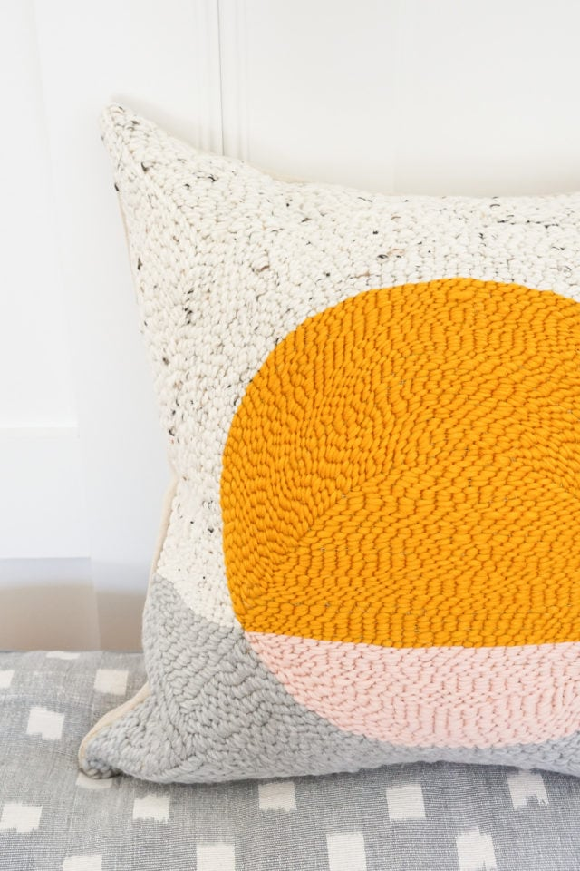 how to make a pillow by rug hooking