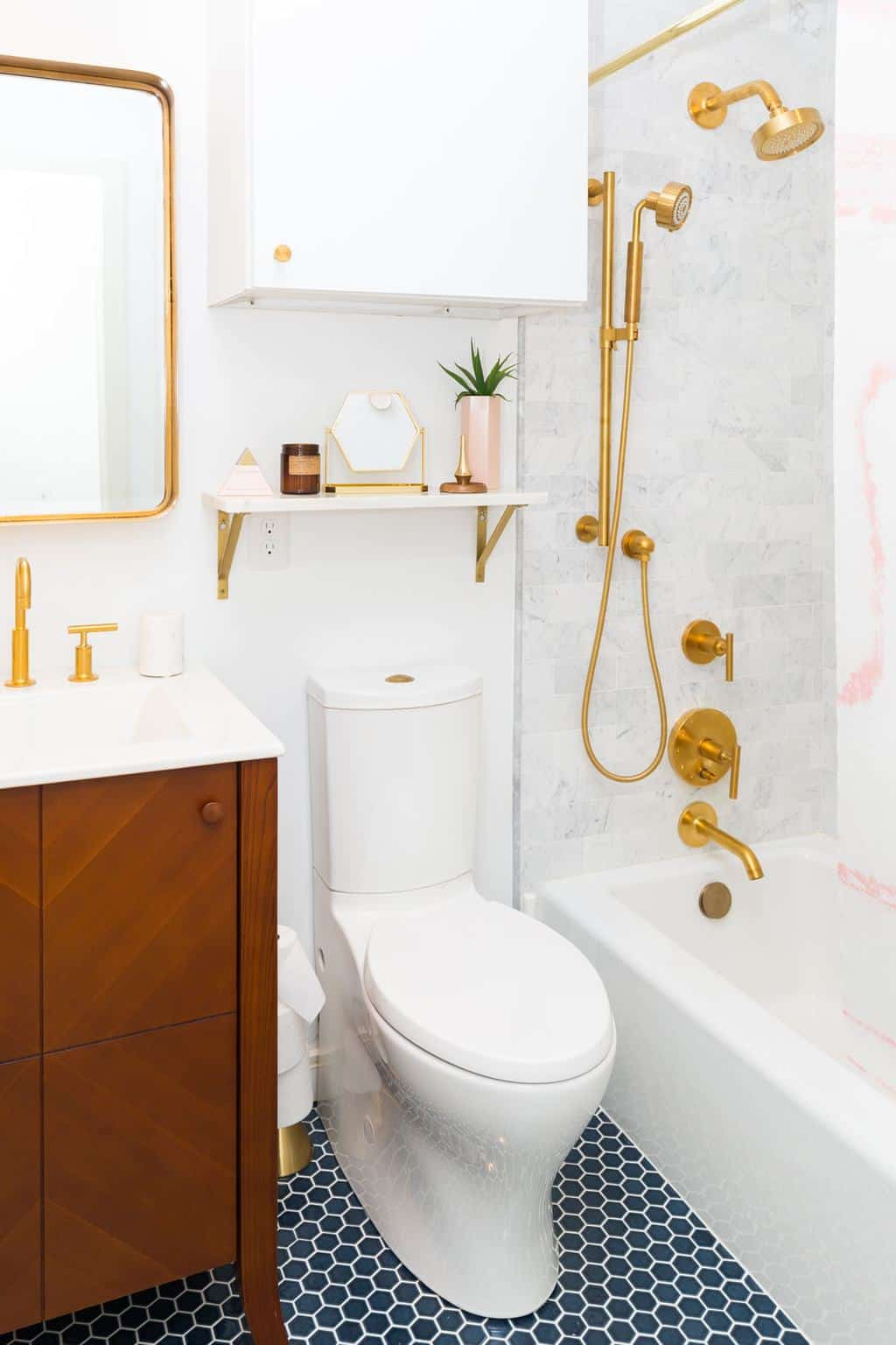Sugar & Cloth Casa: The Before + After of Our Guest ... on Small:e_D8Ihxdoce= Bathroom Ideas  id=25439