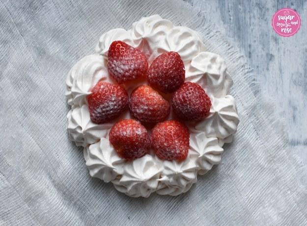 Erdbeerbaiser