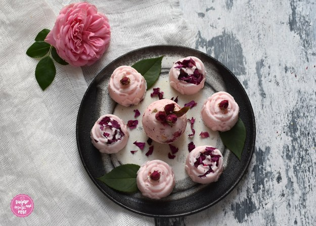Badepralinen mit Rosenöl