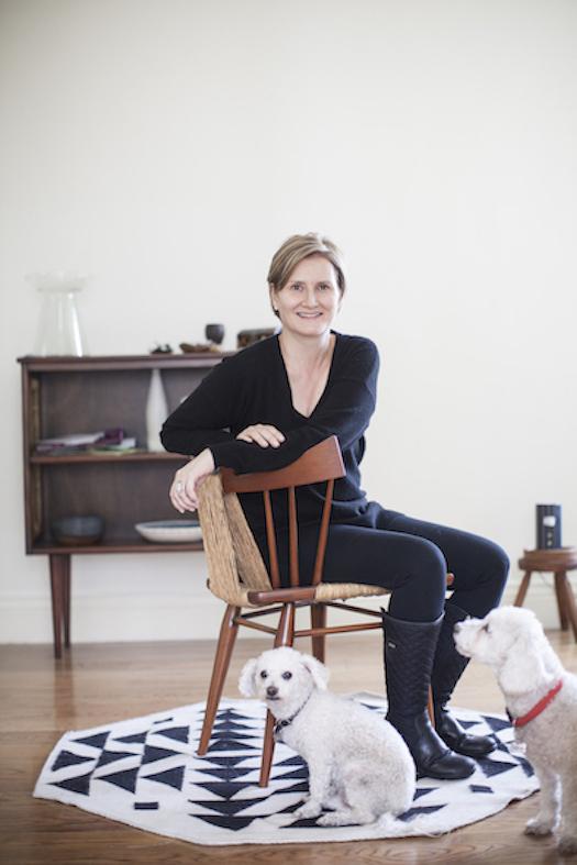retrato ana elena con sus perros