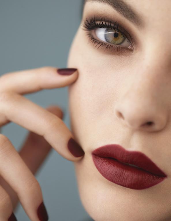 CHANEL_FALL-WINTER_2018_COLLECTION_Ad_visual_Model_Vittoria_Ceretti