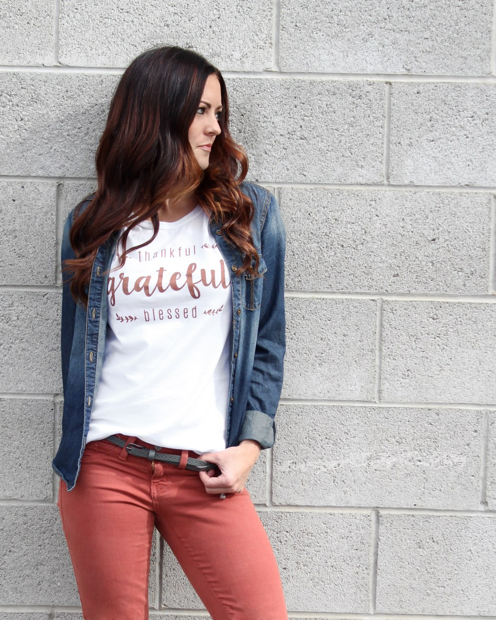 Perfect Thanksgiving shirt. Share how thankful, grateful and blessed you are with others around you. Get more info at sugarcoatedhousewife.com