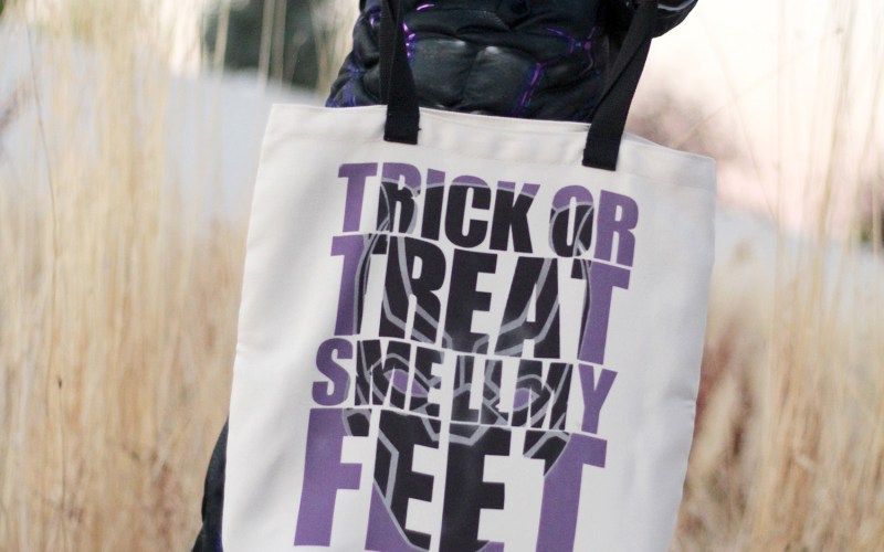 HALLOWEEN TRICK OR TREAT BAGS USING CRICUT INFUSIBLE INK AND TOTES